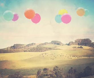 Balloons Over The Country